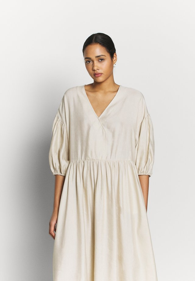 LAMYA DRESS - Maxi dress - white swan