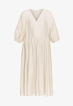 LAMYA DRESS - Vestito lungo - white swan