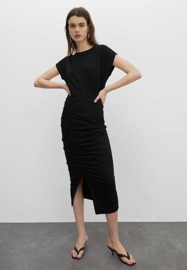 CATHLEEN - Etui-jurk - schwarz