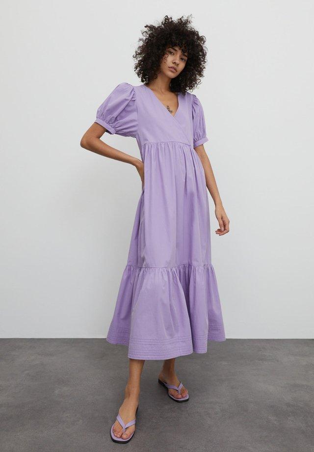 CYBIL - Day dress - lila