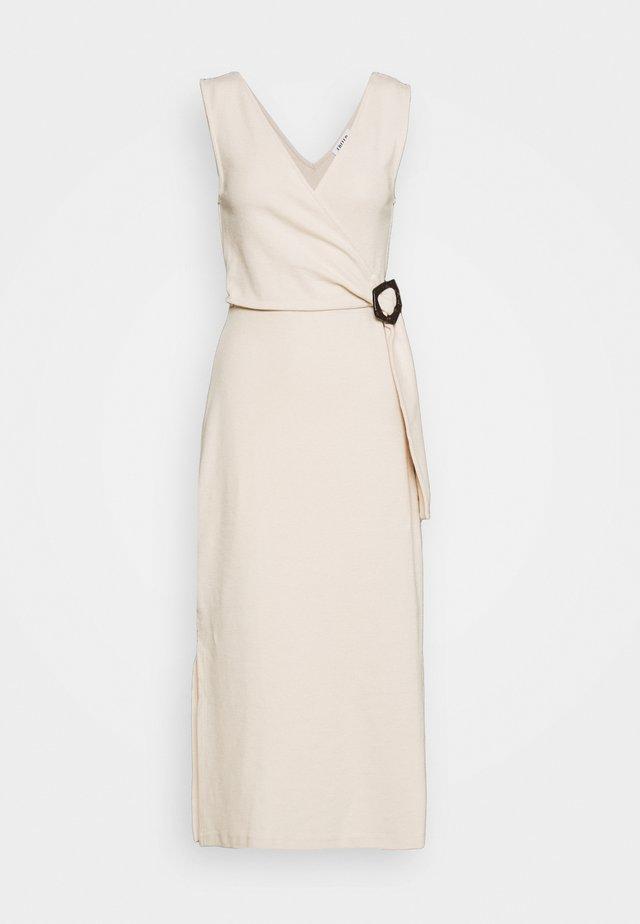 VARINIA DRESS - Vestido informal - creme
