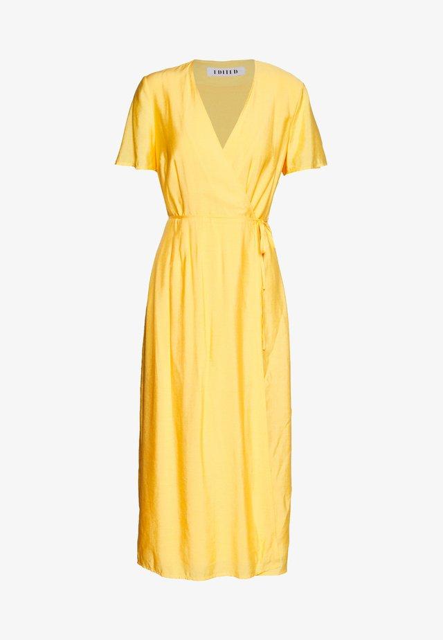MADLYN DRESS - Vardagsklänning - gelb