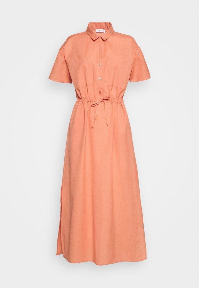 DRESS - Korte jurk - rostrot/rot