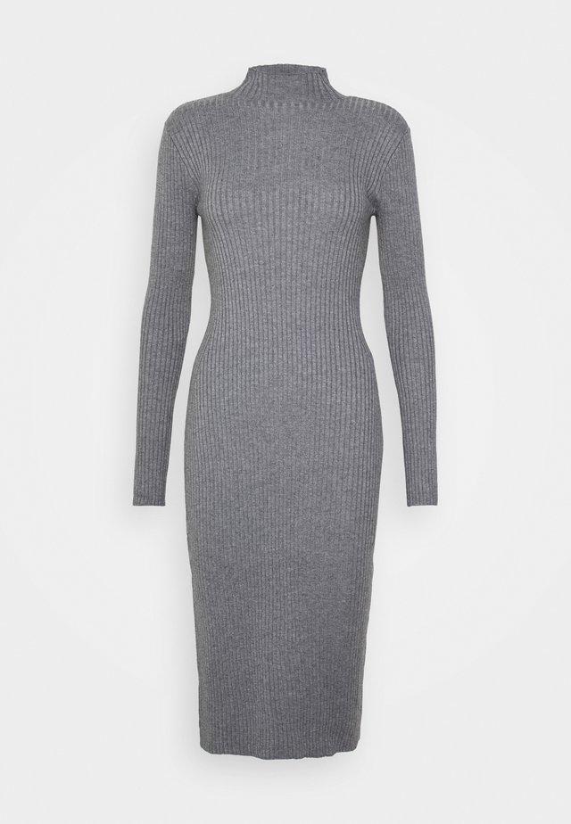 HADA DRESS - Stickad klänning - grey