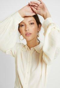 EDITED - FAE BLOUSE - Button-down blouse - weiß - 3