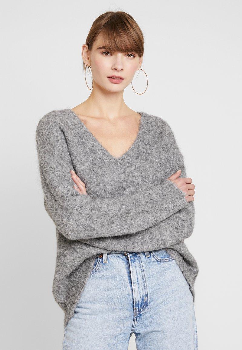 EDITED - FAWINI - Sweter - grau