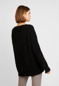 EDITED - FAWINI - Sweter - schwarz - 2
