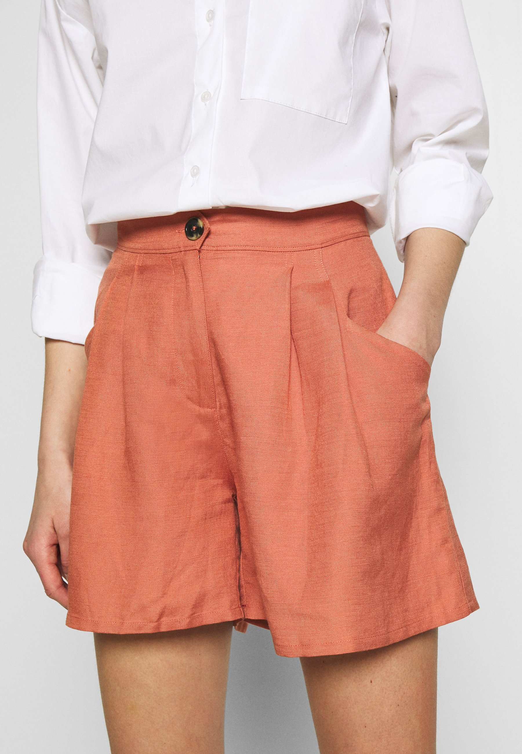 EDITED FERGIE - Shorts - cedar wood