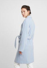 EDITED - ELIAS COAT - Manteau classique - light blue - 2