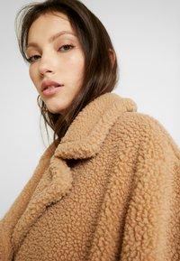 EDITED - BRADON COAT - Zimní kabát - camel - 4