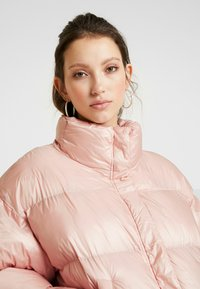 EDITED - ELROY PUFFER JACKET - Chaquetas bomber - rosa - 3