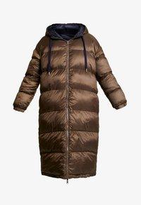 EDITED - OLWEN PUFFER COAT - Zimní kabát - braun/blau - 4