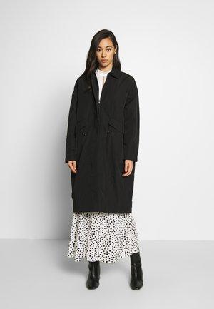 INGVAR COAT - Krátký kabát - black