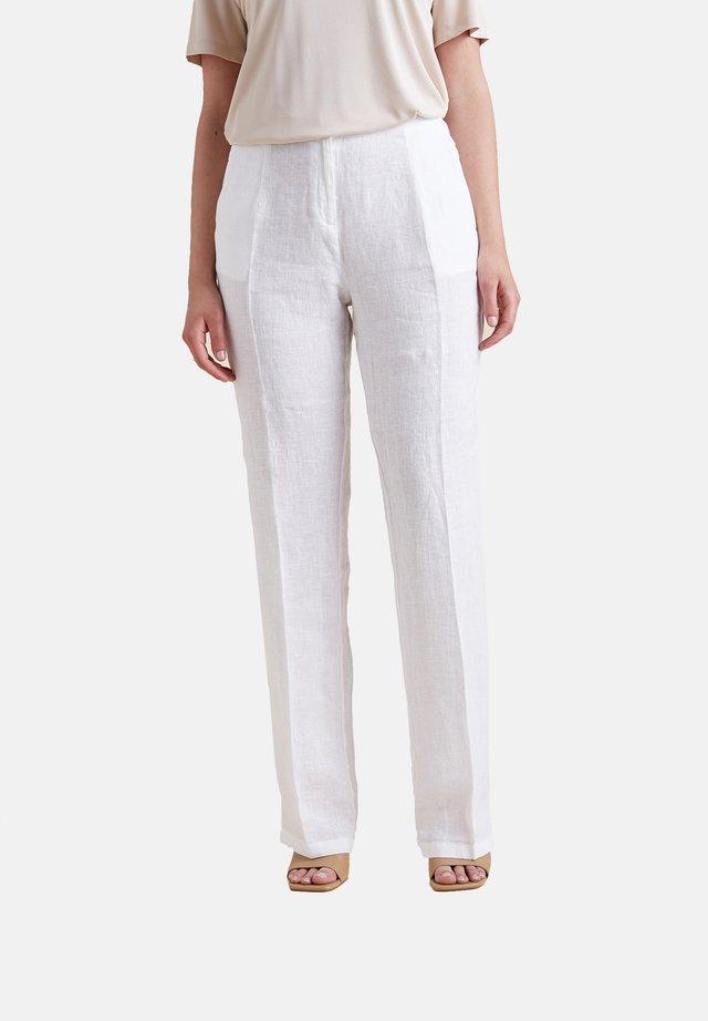 GERADE GESCHNITTENE AUS LEINEN - Trousers - bianco
