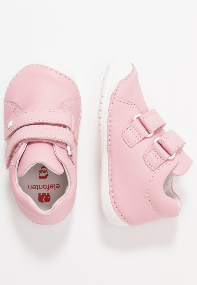 LOOP - Chaussures premiers pas - rose