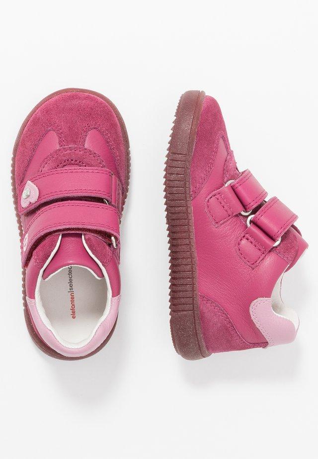 NILA - Klittenbandschoenen - pink