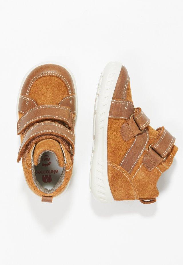 MACEO - Vauvan kengät - braun