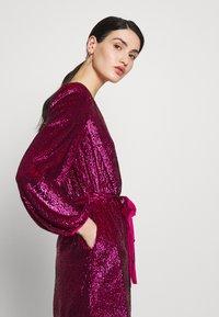 Elisabetta Franchi - Denní šaty - barbie - 5