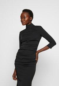 Elisabetta Franchi - Vestido de tubo - nero - 5