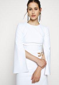Elisabetta Franchi - Vestito elegante - avorio - 3