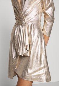 Elisabetta Franchi - Koktejlové šaty/ šaty na párty - oro - 8