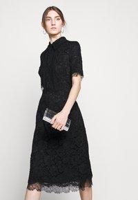 Elisabetta Franchi - Košilové šaty - nero - 6