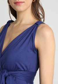 Envie de Fraise - ROMAINE TANK - Maxi-jurk - deep blue - 3