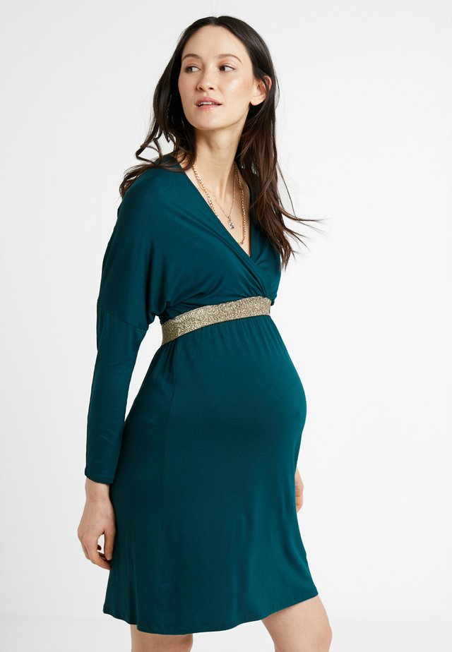 FELICINEOR - Žerzejové šaty - green