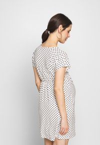 Envie de Fraise - EVI MATERNITY DRESS - Žerzejové šaty - off white/black - 2