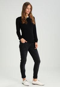 Envie de Fraise - CLAUDIA  - Camiseta de manga larga - black - 1