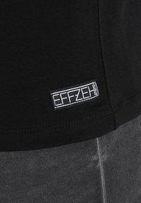 Effzeh - LABEL FOIL  - Pelipaita - black - 4