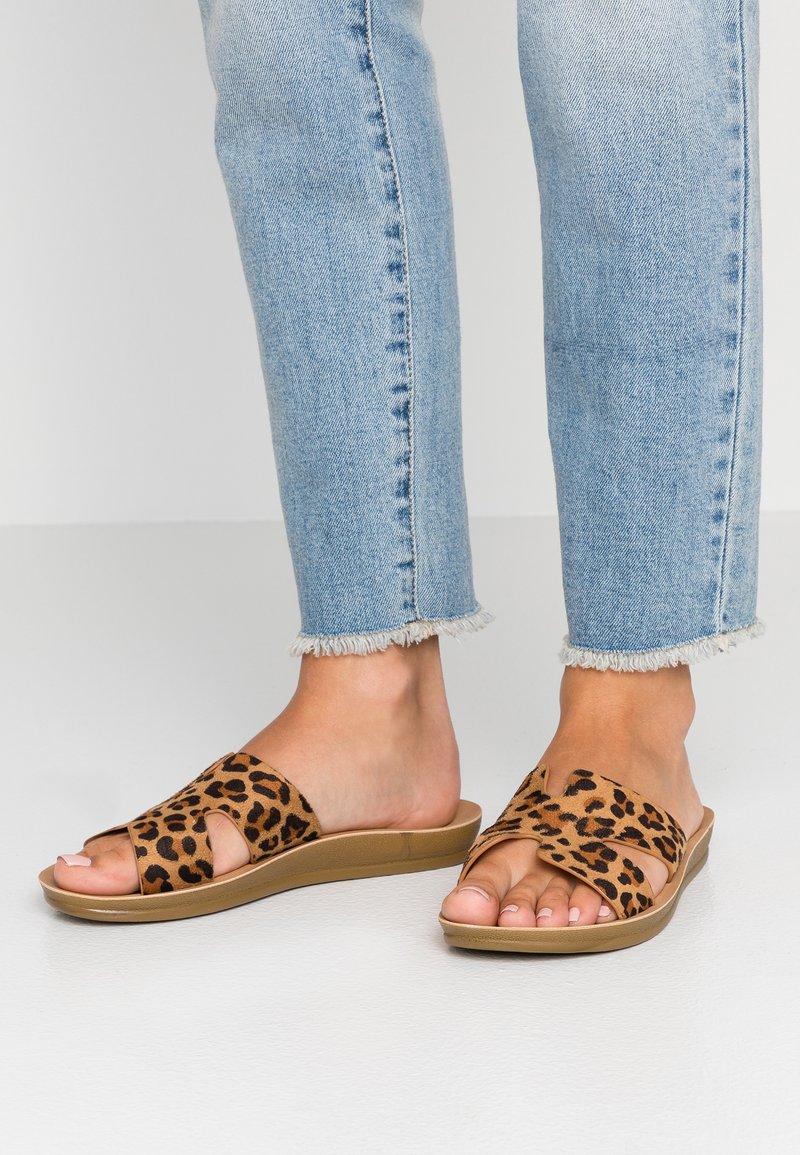 EGO - AVA - Pantolette flach - brown