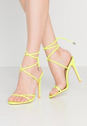 ROCHELLE - Sandaler med høye hæler - neon yellow
