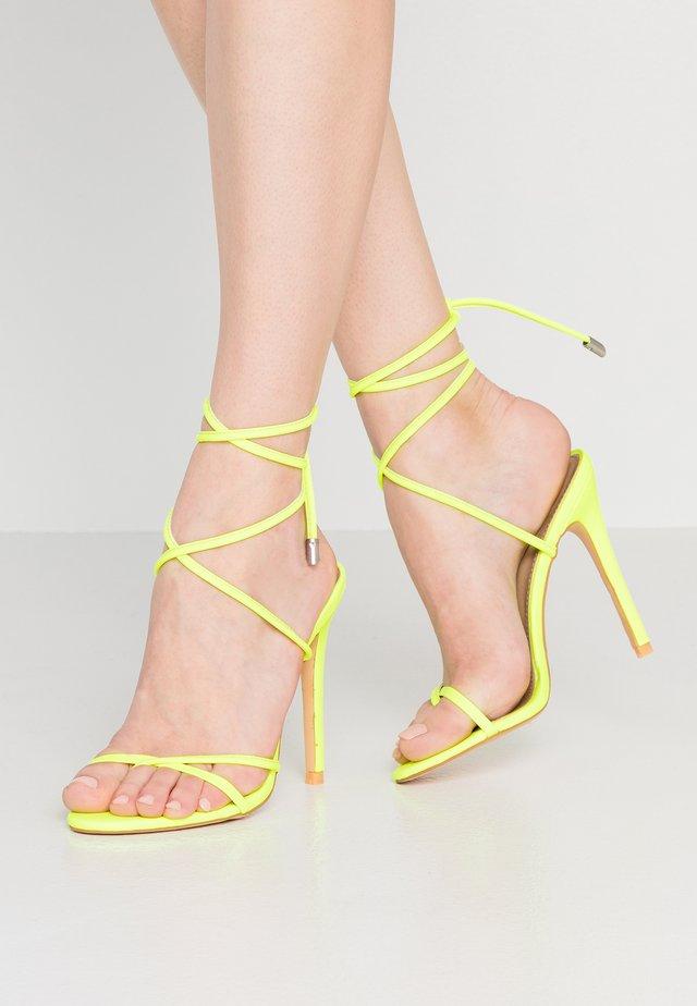 ROCHELLE - Sandalen met hoge hak - neon yellow