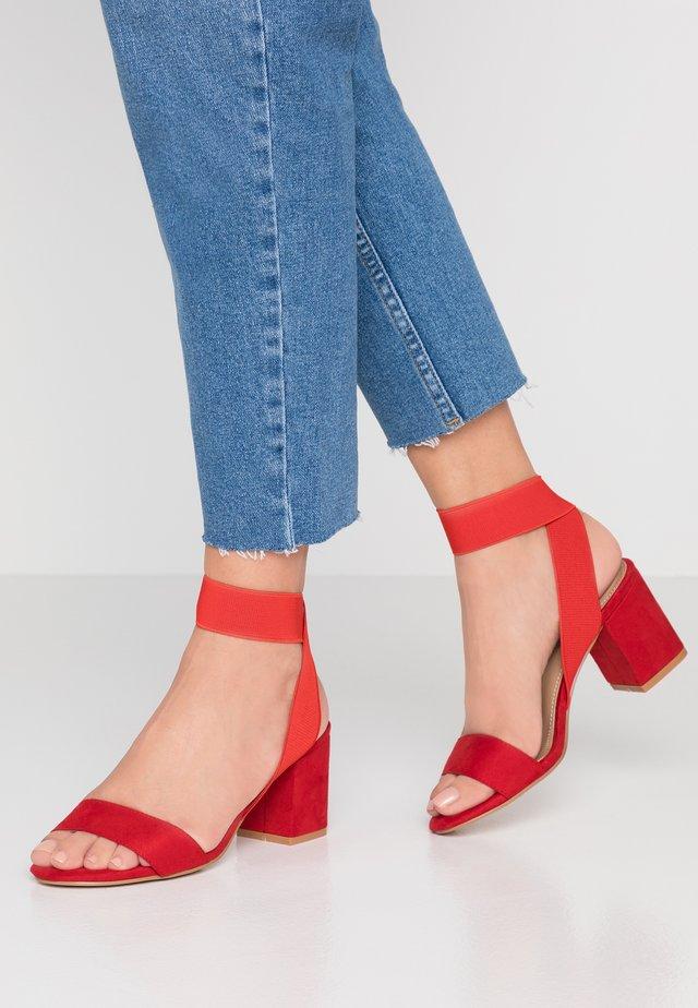 CORA - Sandaler - red