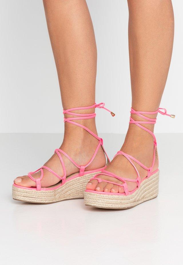 SOPHINA - Teensandalen - neon pink