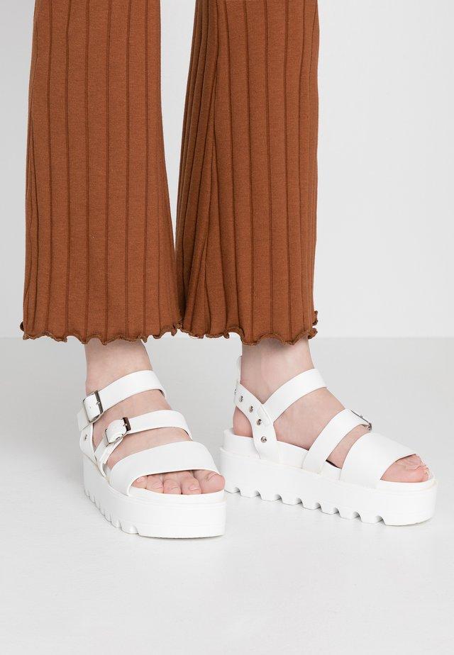 SOFIE - Sandalen met plateauzool - white