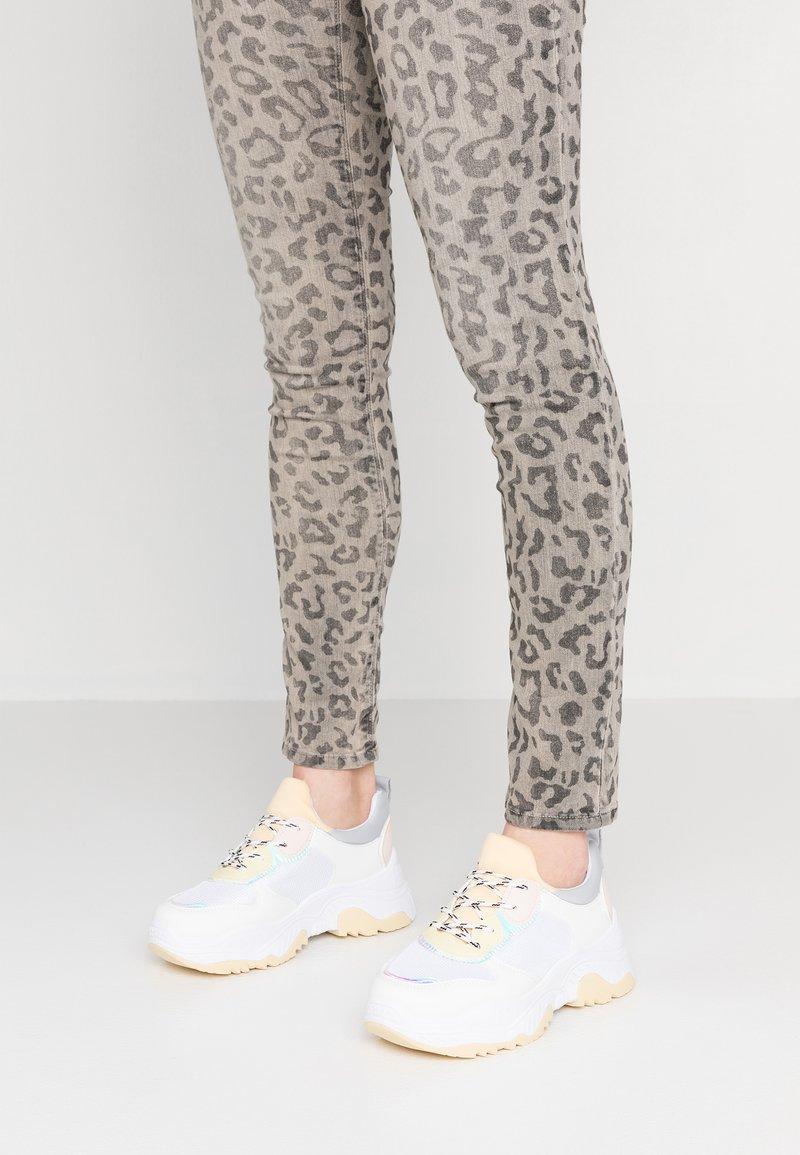 EGO - ALESSIO - Sneaker low - white/yellow
