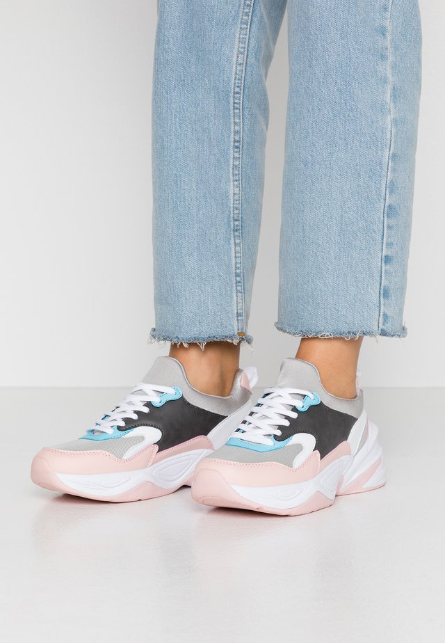 TANNER - Sneaker low - grey/pink