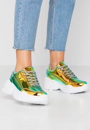 TEGA - Sneakers - holographic