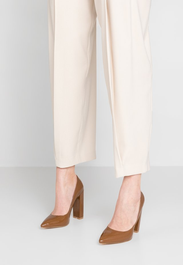 BOBBI - High Heel Pumps - mocha