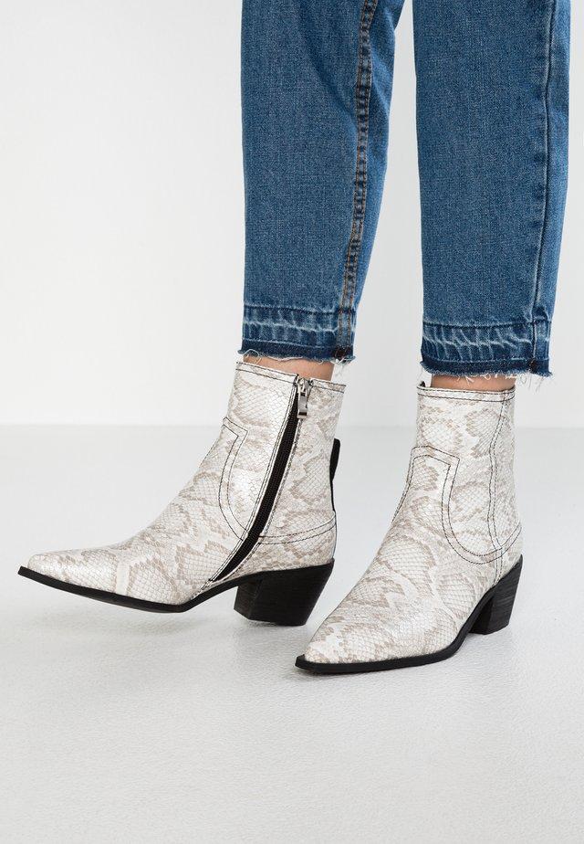 RISHI - Cowboy/biker ankle boot - grey