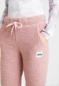 Eivy - BIG BEAR SHERPA PANTS - Träningsbyxor - faded pink - 5