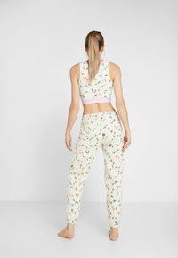 Eivy - REST IN PANTS - Träningsbyxor - offwhite - 2