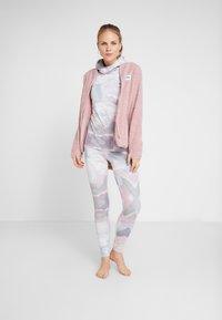 Eivy - REDWOOD SHERPA JACKET - Fleece jacket - faded pink - 1