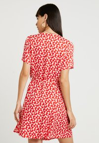 Envii - ENFAIRFAX DRESS - Skjortekjole - red daisy - 2