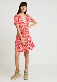 Envii - ENFAIRFAX DRESS - Skjortekjole - red daisy - 1