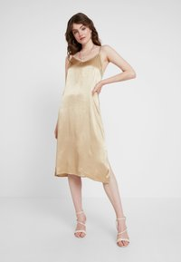 Envii - ENOAKS DRESS - Vestido informal - travertine - 1