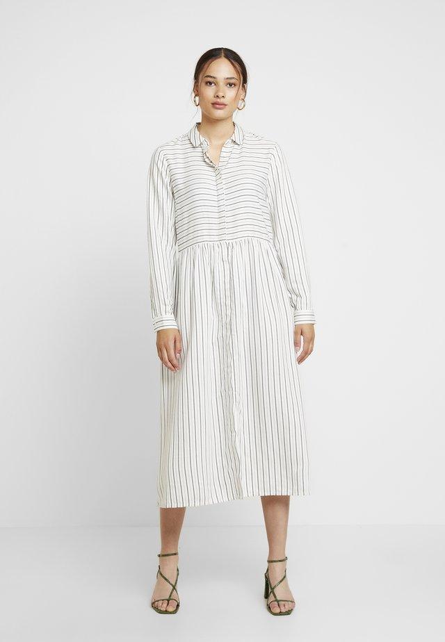 ENHARRY DRESS - Skjortklänning - white/black