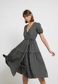 Envii - ENHAZEL DRESS - Denní šaty - timber - 4